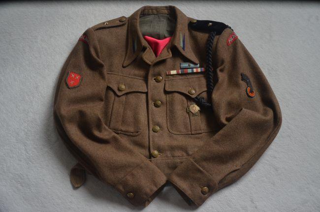 Battle-dress de sous-lieutenant du 8ème bataillon de chasseurs