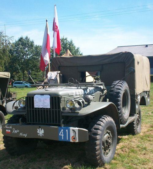 Véhicules polonais à Bouin Plumoison (Pas de Calais )