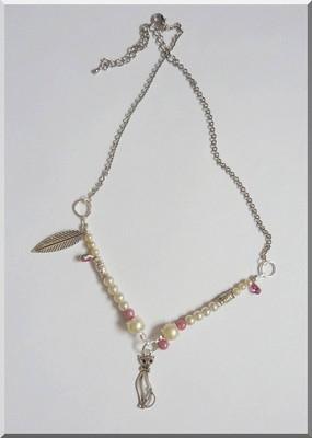 4 - collier rose & blanc.jpg
