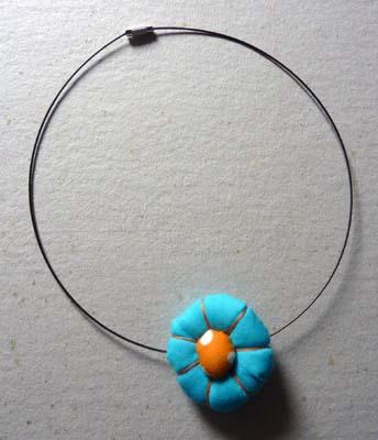 33 - ras de cou fleur japonaise.JPG