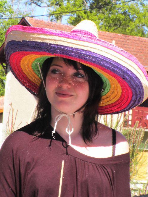 Méli c\'est pas bien d\'avoir piqué le chapeau de Léo ^^