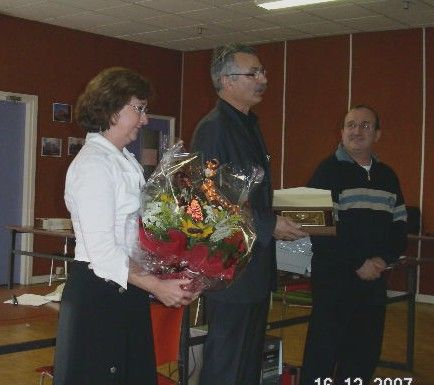 Remise du merite National du REF à Sotos F6BZQ et merci à son YL