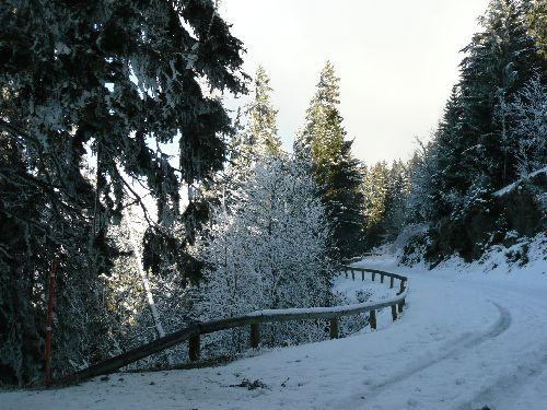 Le chasse-neige ne passe jamais sur la route.