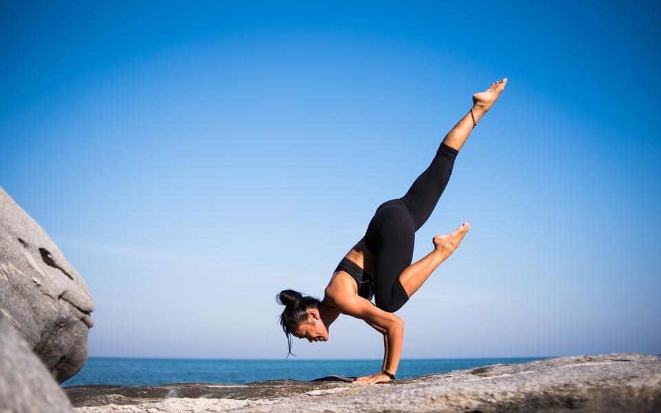 yoga-2587066_960_720.jpg