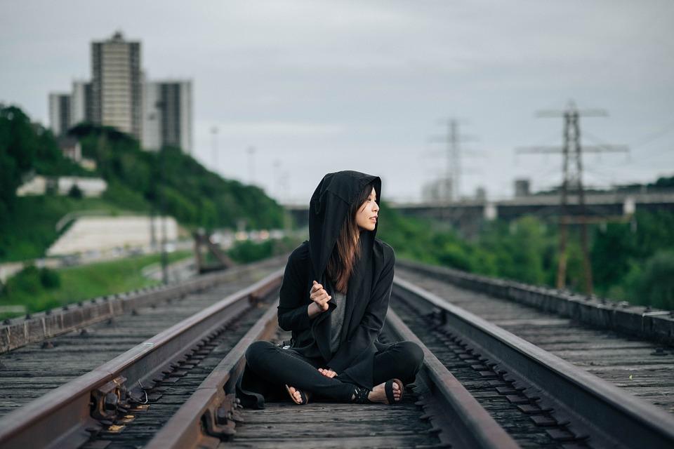 railroad-tracks-863675_960_720.jpg