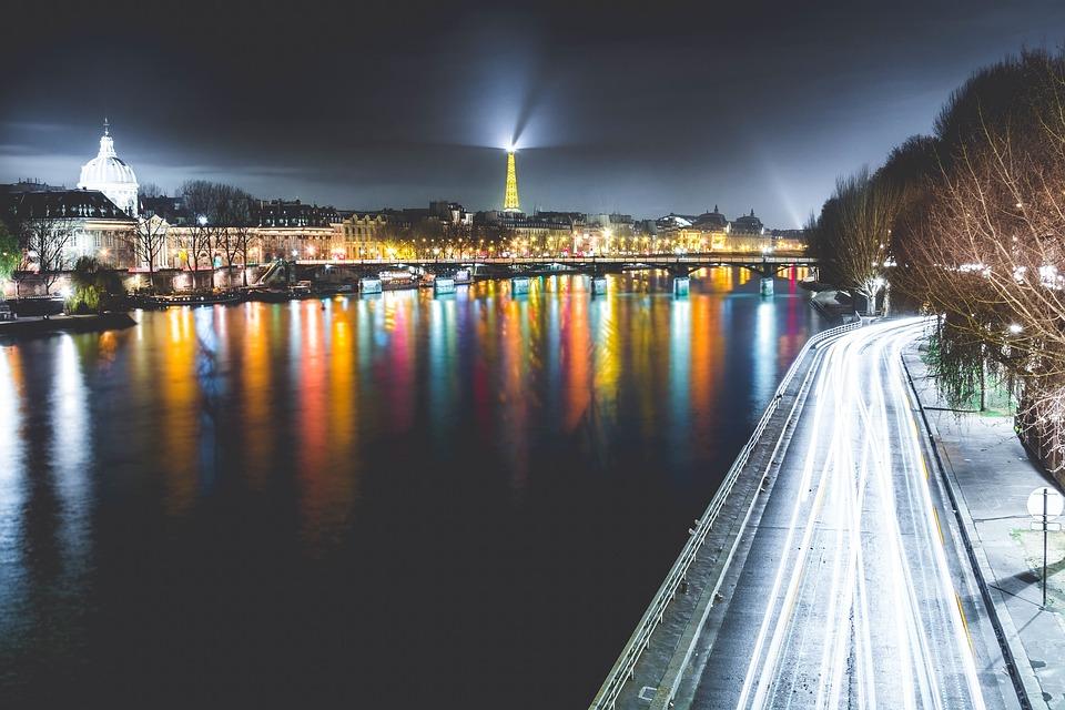 paris-1210005_960_720.jpg