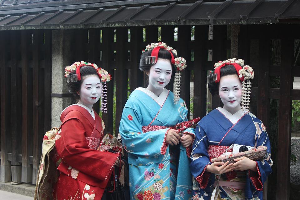 geisha-949978_960_720.jpg