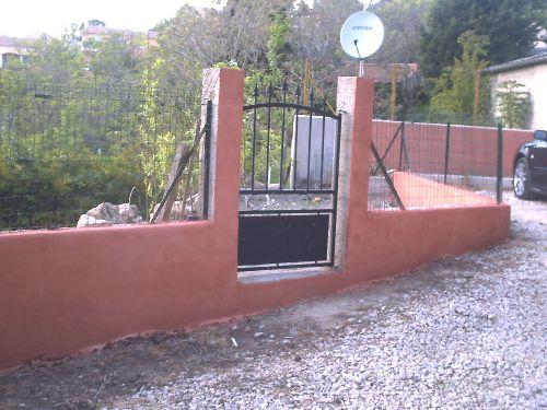 Enduit clôture frotassé + portillon