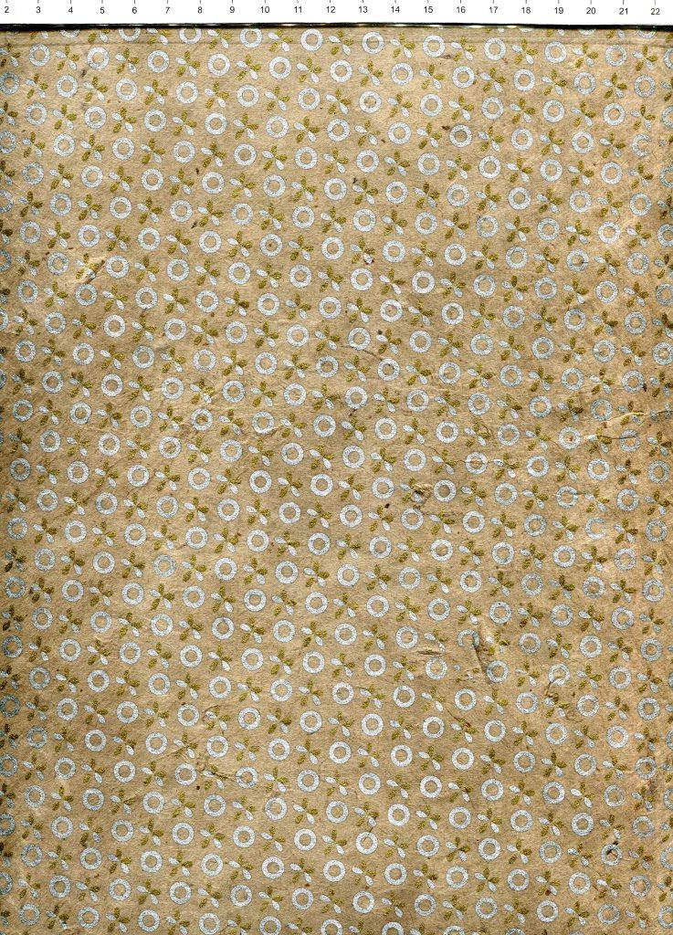 cercle et fleur or et argent fond gris taupe.jpg
