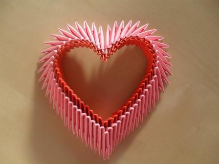 loisirs-creatifs-petit-coeur-rose-et-rouge-en-origam-6352895-sdc12268-a6dd1-01e1c_big.jpg