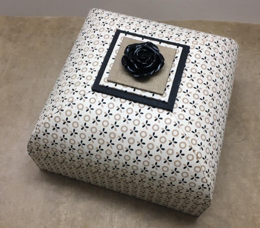boîte carré sandra (1).JPG
