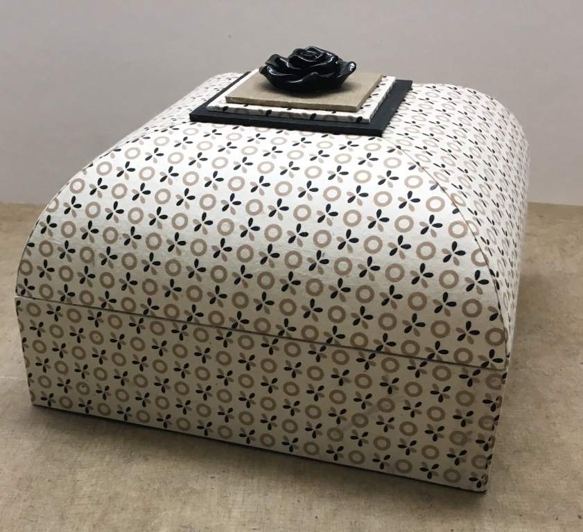 boîte carré sandra (2).JPG