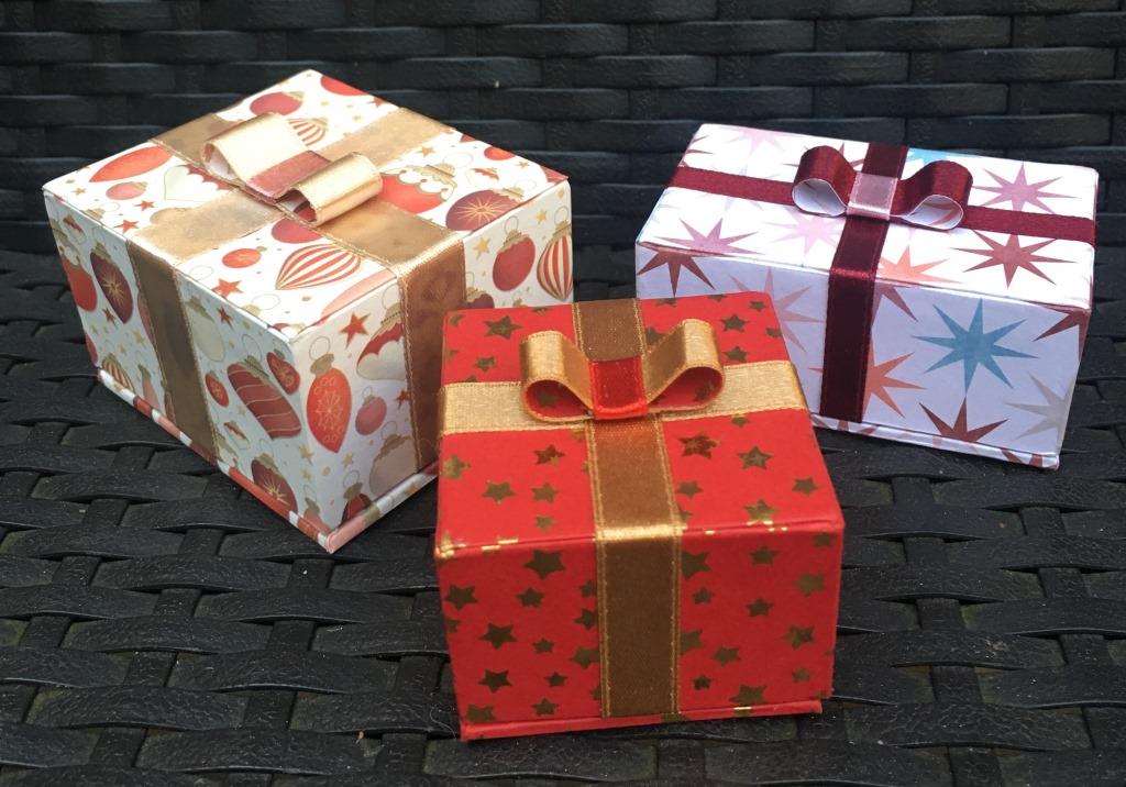 paquet cadeau (2).JPG