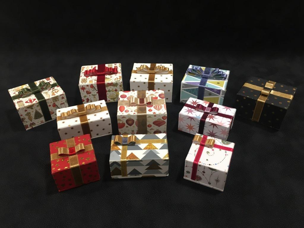 paquet cadeau (3).JPG
