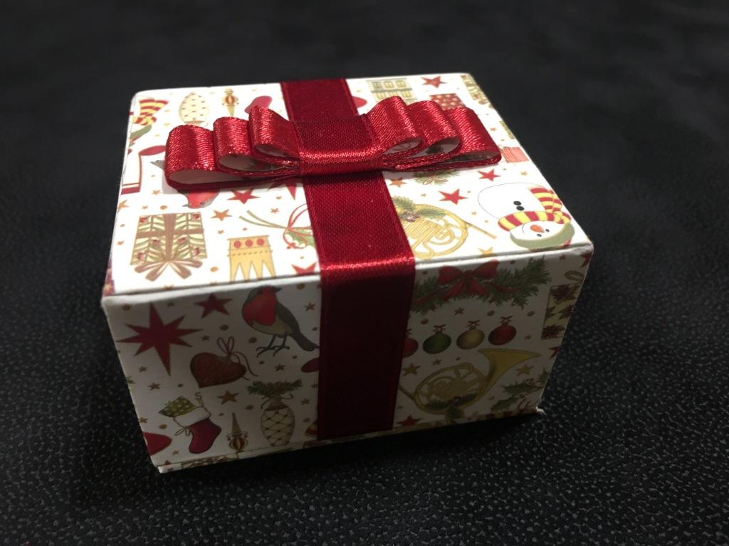 paquet cadeau (5).JPG