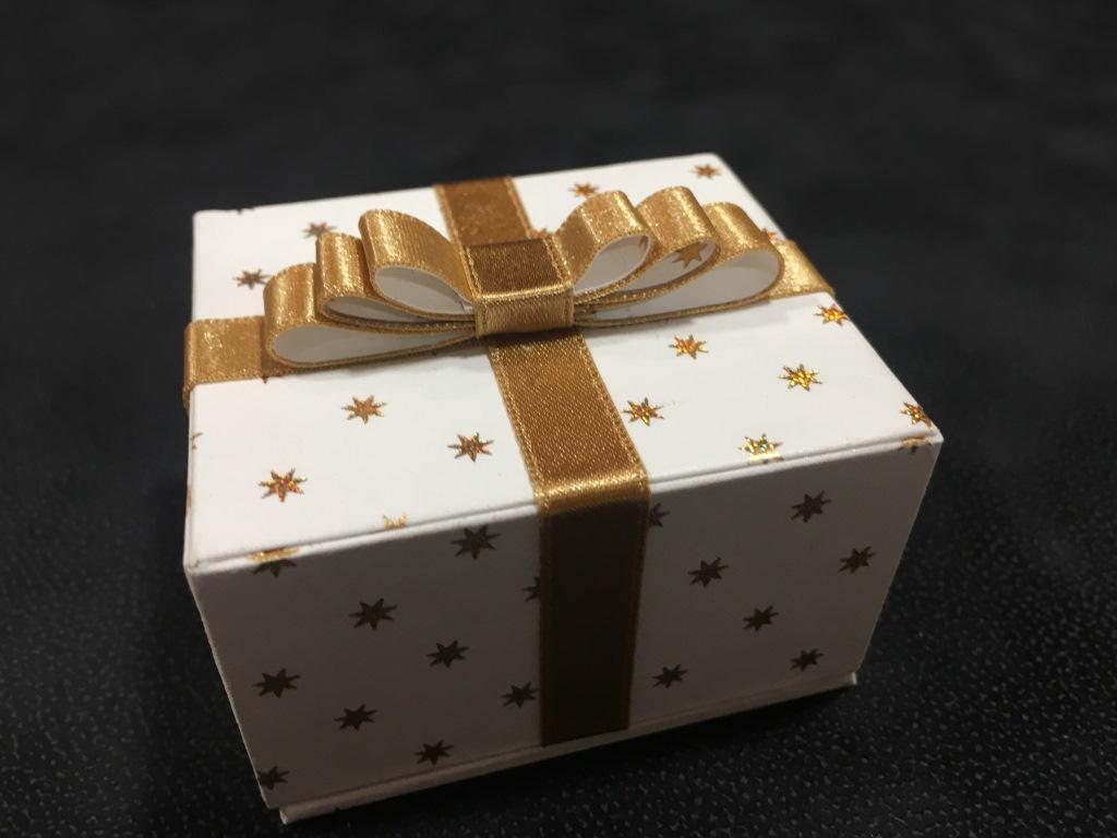 paquet cadeau (1).JPG