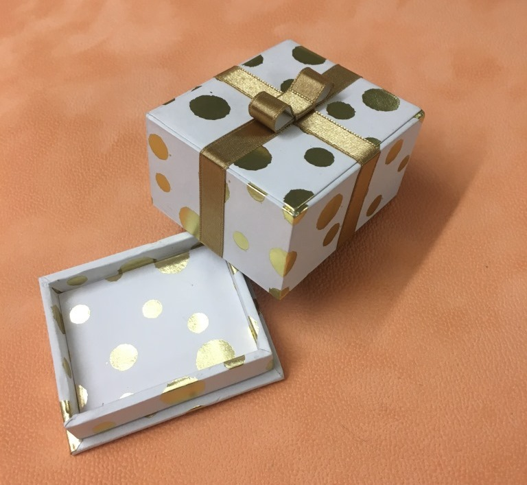 paquet cadeau de Dora web (1).JPG
