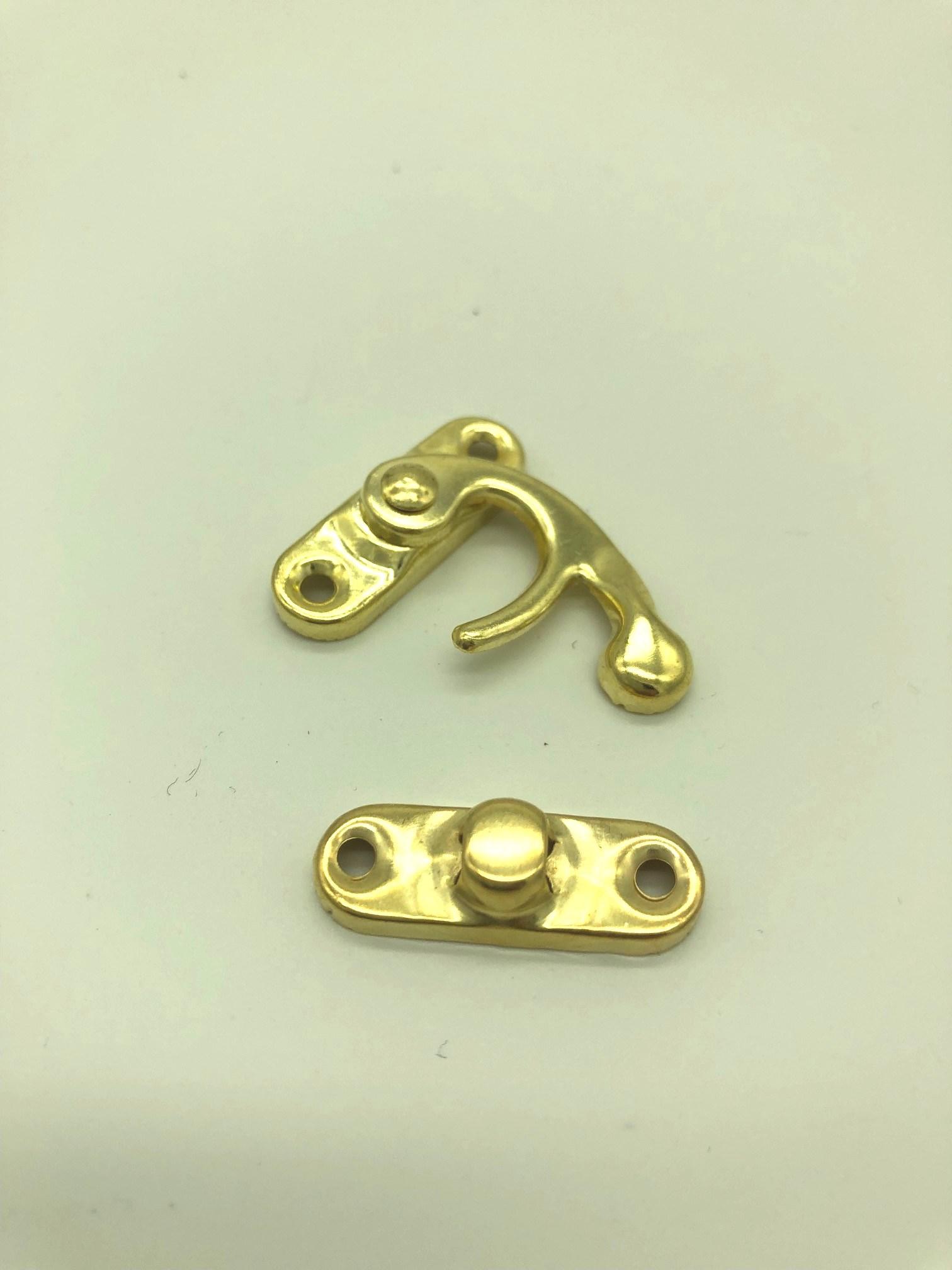 serrure crochet doré (1).jpg