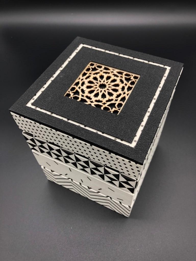 boîte mirage noir et blanc (1).jpg