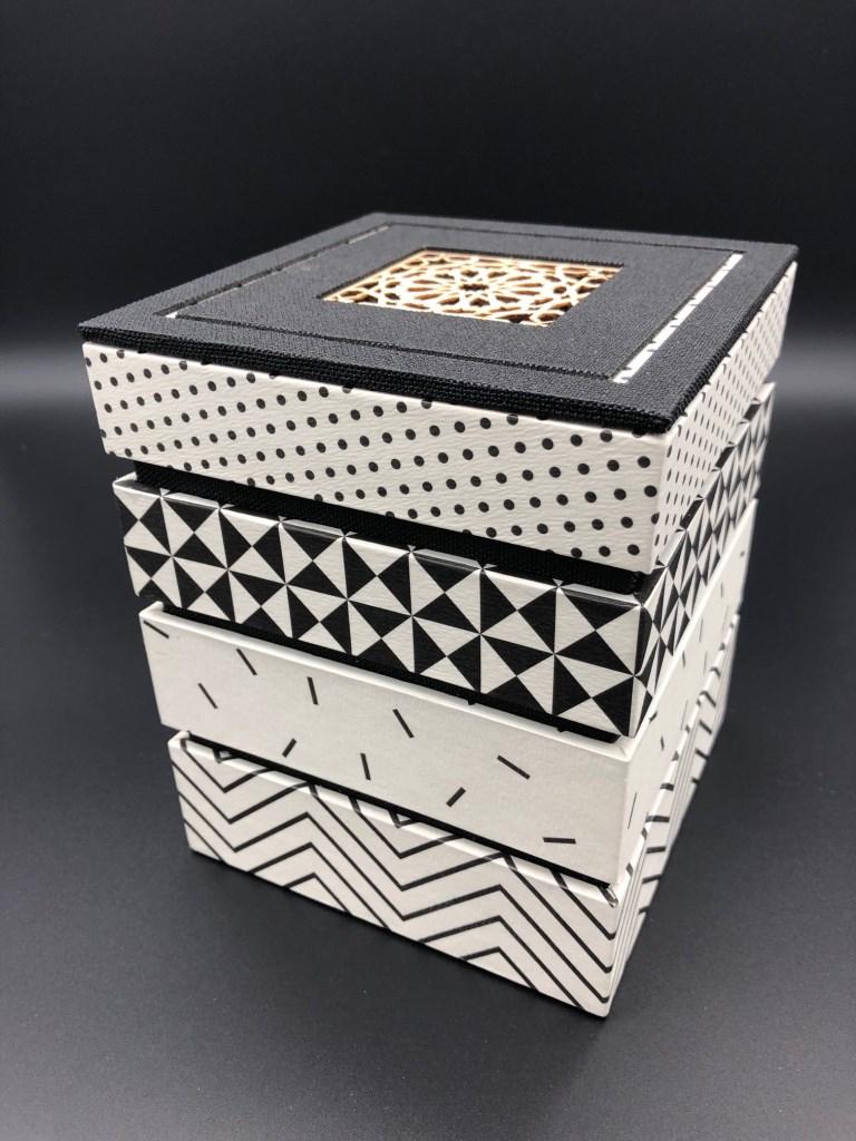 boîte mirage noir et blanc (4).jpg