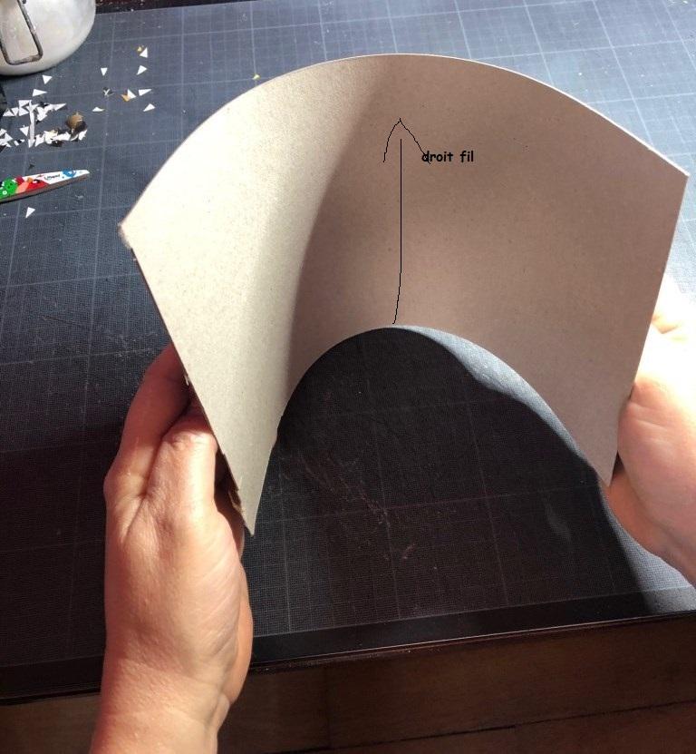 droit fil du carton (1).jpg