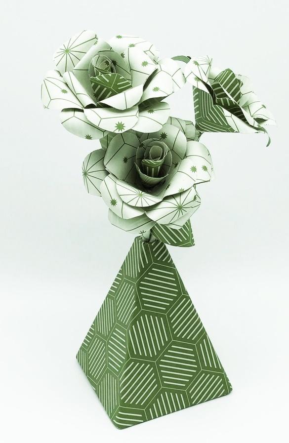 vase khe_ops vert(3).JPG