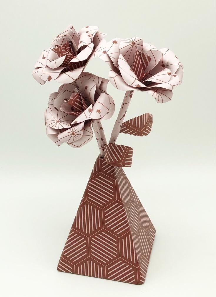 vase rose.JPG