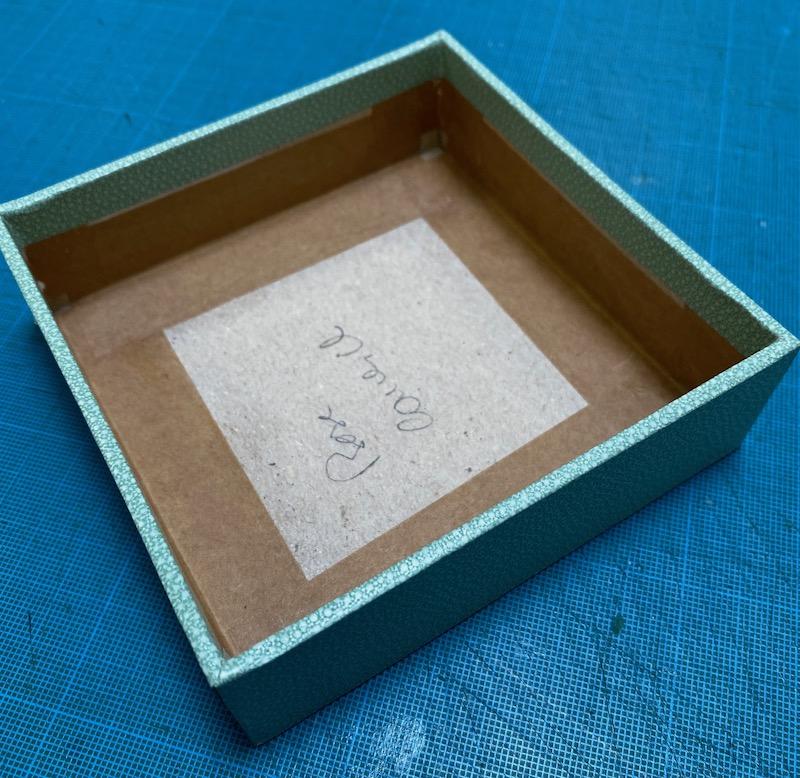 couvercle boîte suprrise00001