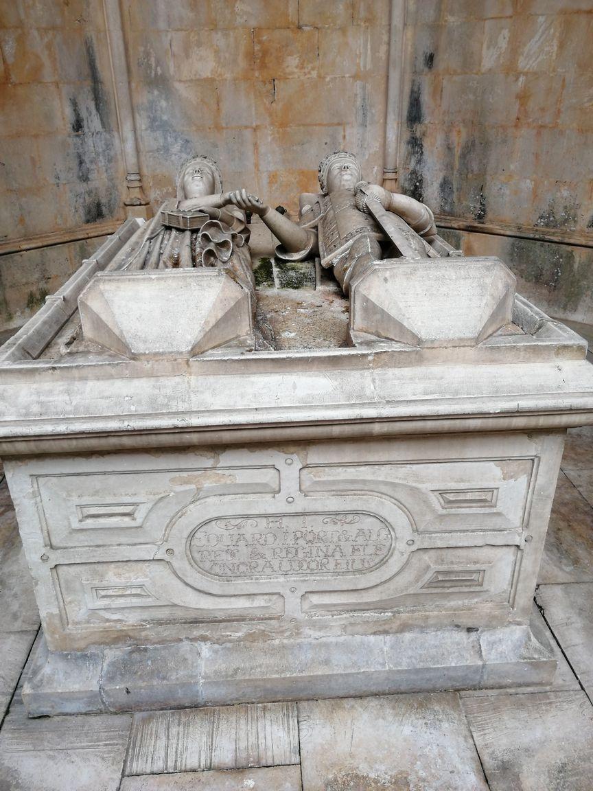 C'est le premier tombeau conjugal du Portugal
