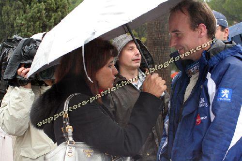 Séquence émotion.... entre Patrick et Michèle Mouton , sa marraine ...