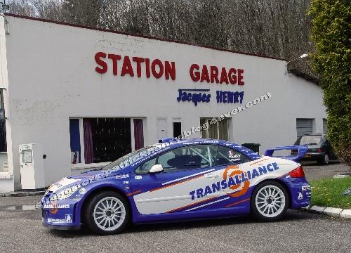 La 307 ...devant le garage familial