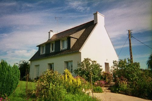 La maison, pignon est et façade