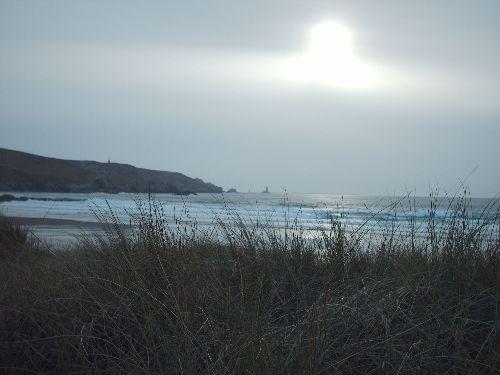 La pointe du Raz vue depuis la Baie des Trépassés, sur le GR34