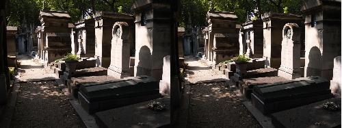 Allée dans le cimetière du père Lachaise