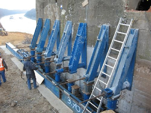 Préparation du bunker, pour recevoir les différents ancrages en vue du déplacement