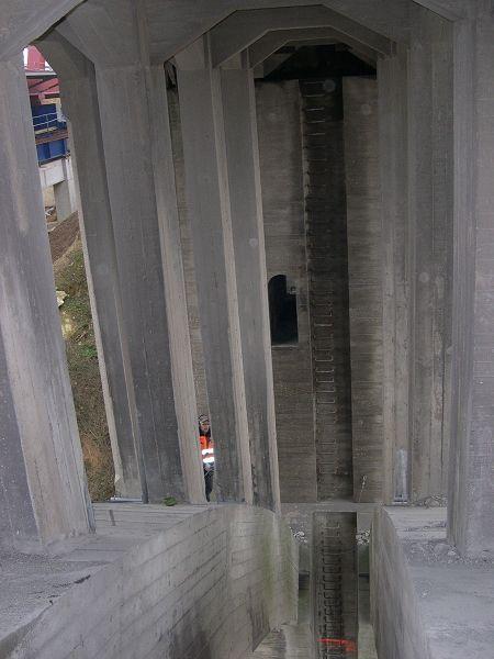 Démolition du pont en béton