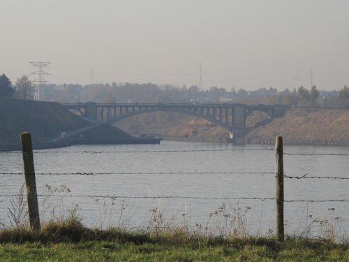 Vue pont en béton