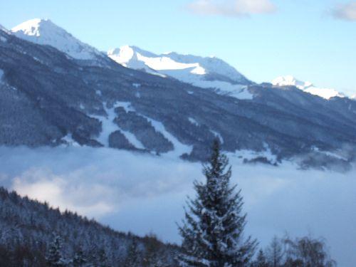 Vue de l'appartement l'hiver; les pistes de Montchavin et de La Plagne