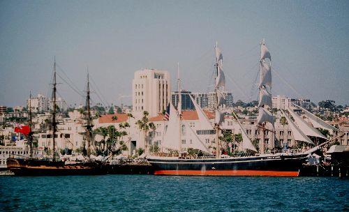 SAN DIEGO; il y a aussi des vaisseaux plus anciens!!!