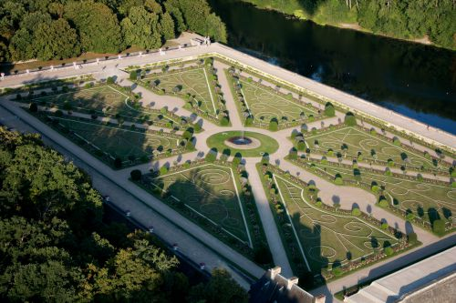 Les jardins du ..château des Dames; CHENONCEAU