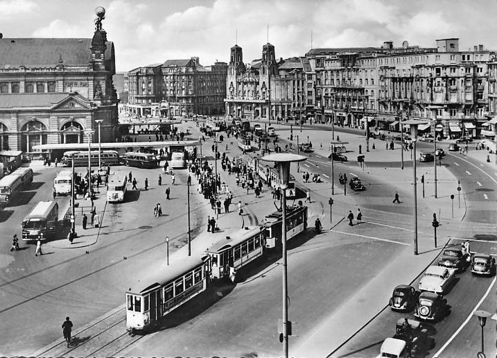 Frankfurt Bahnhofplatz 1950s.jpg