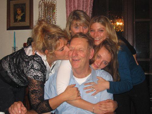 photo de famille autour de mon grand père