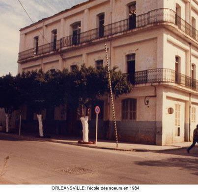 la rue des martyrs et l'ecole des soeurs en 1984