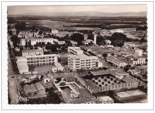 Groupe scolaire et piscine ( Chaoui)
