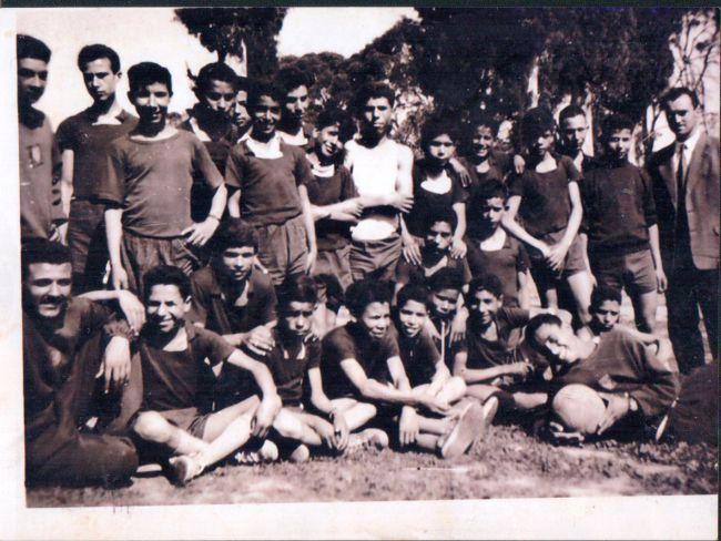 Ancienne photo des élèves du C.F.P.A. d'Orleansville-1958-sur la photo M.Sehailia-A.Zorgui...