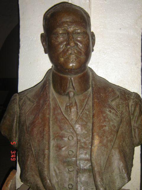 BUSTE DE PAUL ROBERT