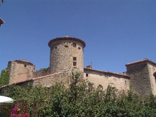 Le château Wisigoth qui a donné son nom à la ville Rennes-le-\