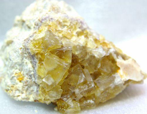 SV 02 - Fluorite et Barytine, Mine de Serves, Tain-l'Hermitage, Drôme  80 mm x 50 mm