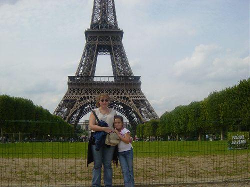 Steph et Lila à.......Paris !!!! C'était pas évident de s'en rappeler !!!