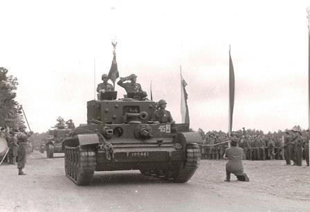 Parade à Meppen ( All) le 11/11/45
